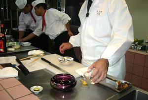 【日本料理 なだ万様】 厨房にて